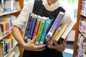 Tips on How to Open Your Own Bookstore - carrying books
