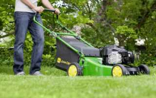 3 Essential Tools to Clean up Your Garden Instantly