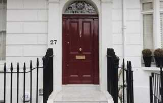 7 Essential Signs You Need a New Front Door