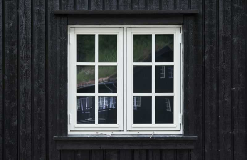 Best Windows Colorado Springs to Make Your Home Stylish - small window