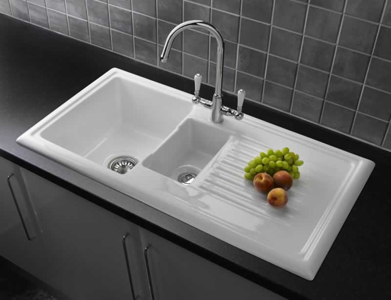 Differences between stainless steel sink vs Ceramic Sink