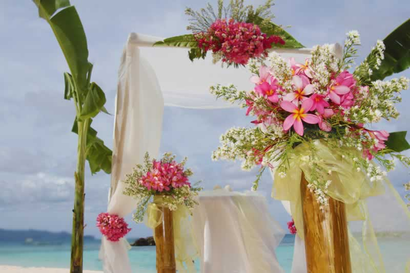 How to decorate a venue on a budget - flowers