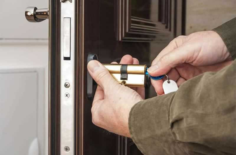 How to Find the Right Locksmith