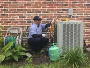 Should You Replace or Repair Your Air Conditioner - repairing AC