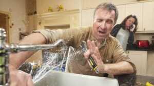 7 Tips to Avoid DIY Plumbing Disasters