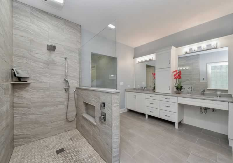Bathroom renovation Singapore - How to make a small bathroom look large