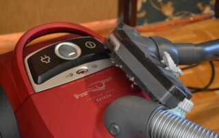 How to Select the Best Canister Vacuum Cleaner