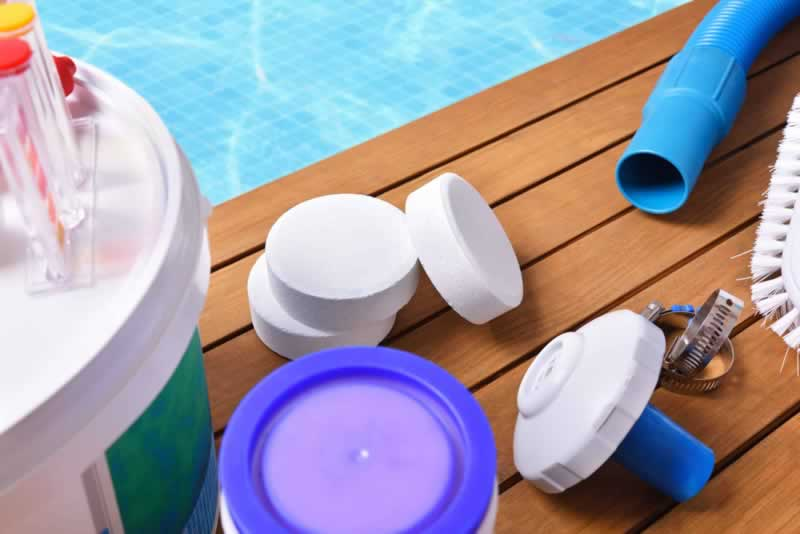 A Beginner's Guide to Properly Maintaining Your Swimming Pool