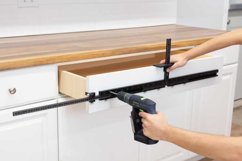 Cabinet hardware jig - drilling drawer