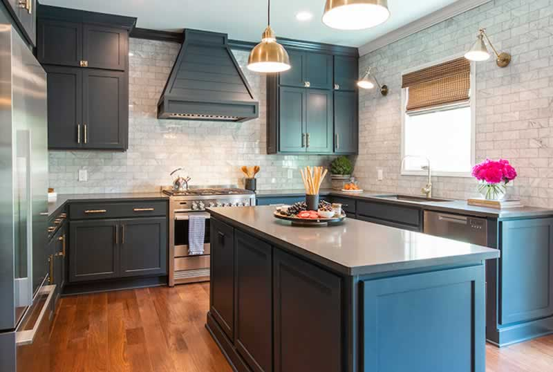 Three Things to Consider When Buying Kitchen Cabinets - small kitchen