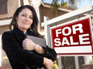 Tools to Being a Successful Real Estate Broker - female broker