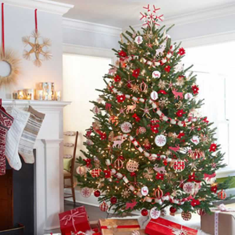 6 Holiday Decorating Tips to Keep Your Family Safe