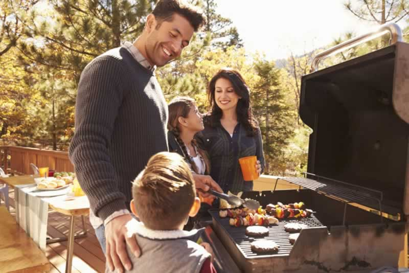 How to Have a Perfect Backyard BBQ Party