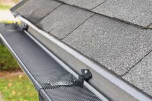 Selecting the Best Gutter Guards and Installation Options
