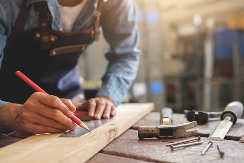 Great Reasons to Get into Woodworking - measuring