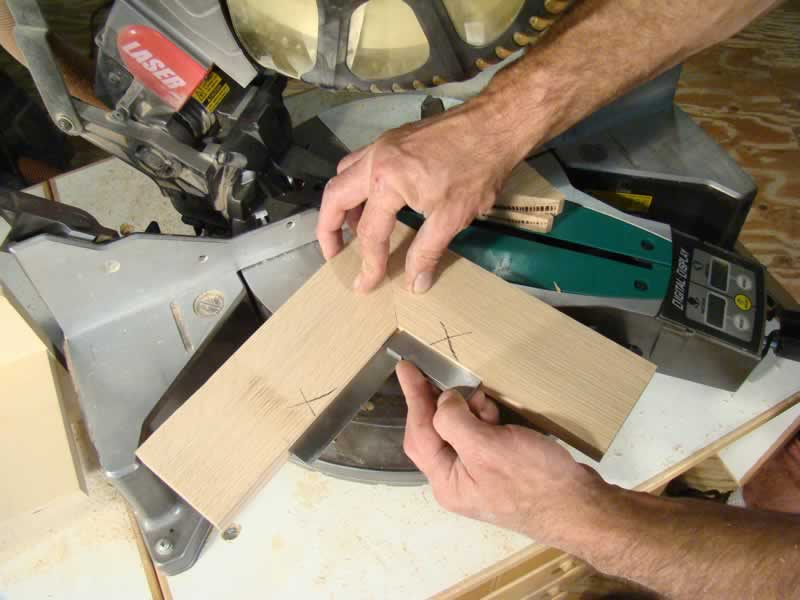 How to become a good carpenter - perfect miter joint