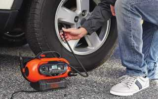 Advantages of Using a Portable Air Compressor - tire inflator