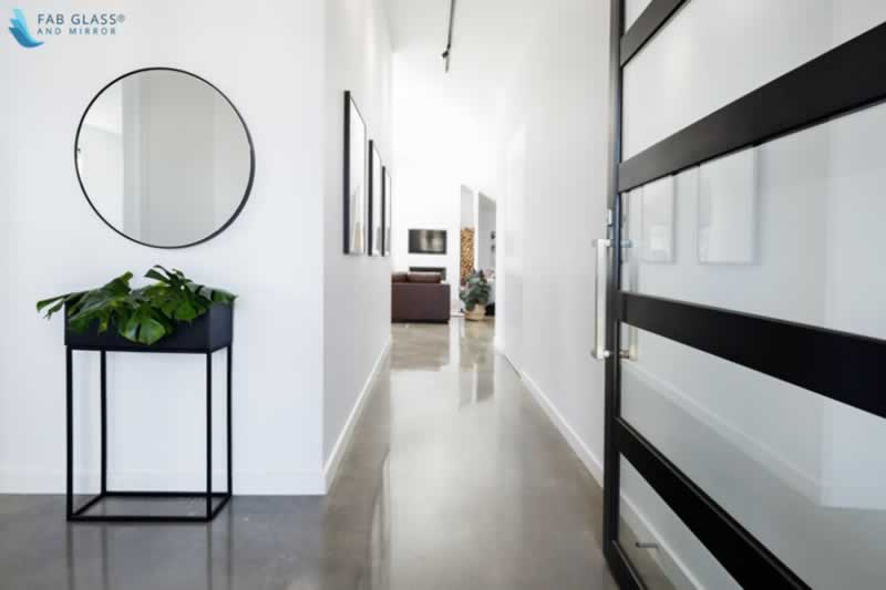 Modern Wall Mirror Design Trends - minimalistic mirror