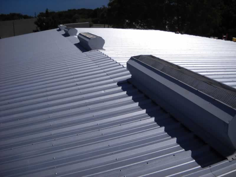Signs of a Good Commercial Roofing Contractor - roof