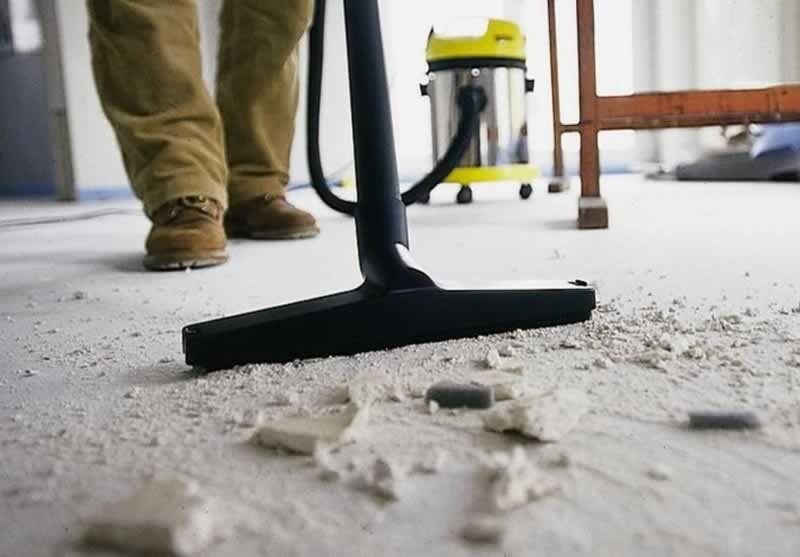 A Quick Guide to Post Construction Cleaning - vacuuming