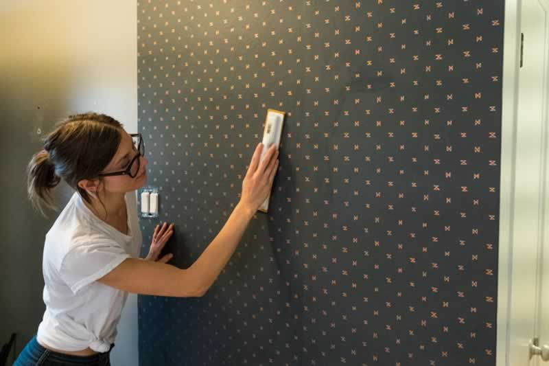 DIY hanging wallpaper