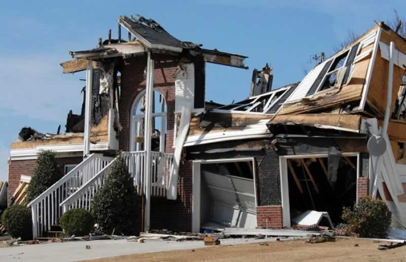 Important Reasons Why Hire a Restoration Company - burnt house