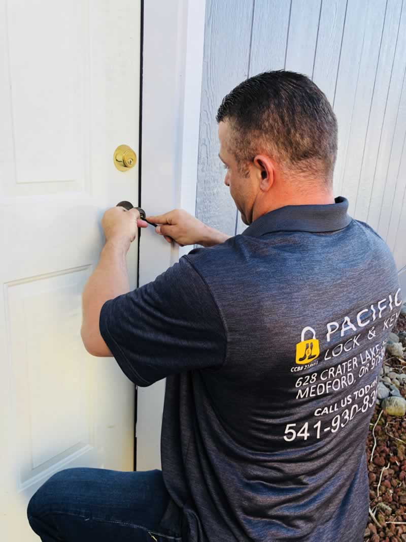 J & L PACIFIC LOCK & KEY SECURITY SOLUTIONS