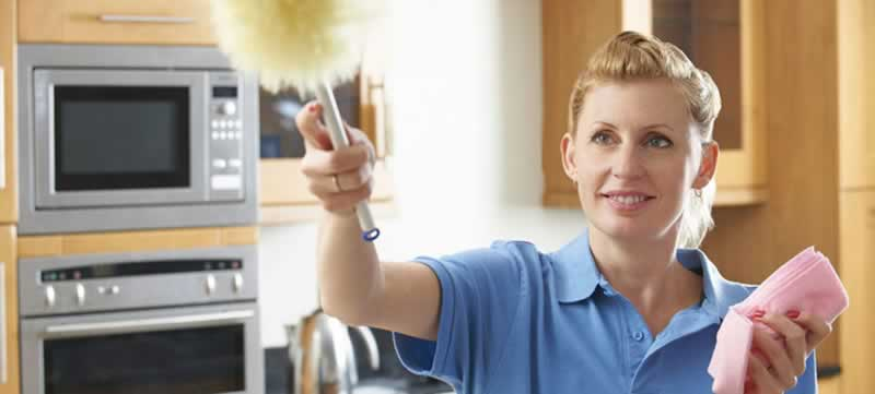 Using A Commercial Cleaning Service - cleaner