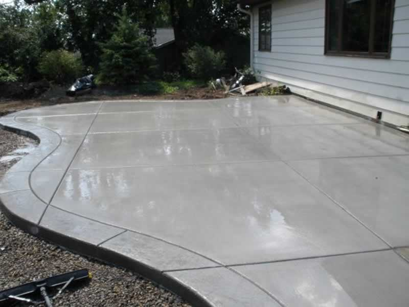 4 Reasons to Choose a Concrete Patio for Your Backyard - concrete patio