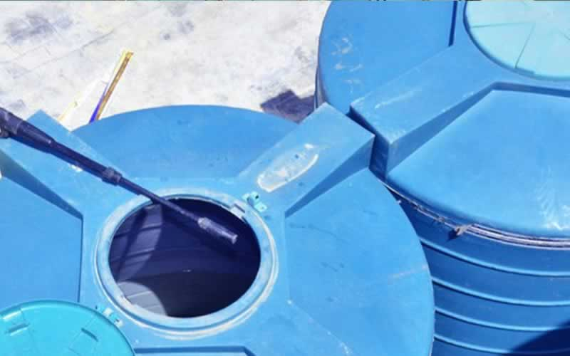 how to keep water tanks clean