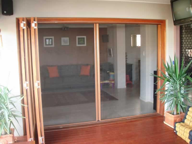 Home Exterior Design Trends - retractable flyscreens