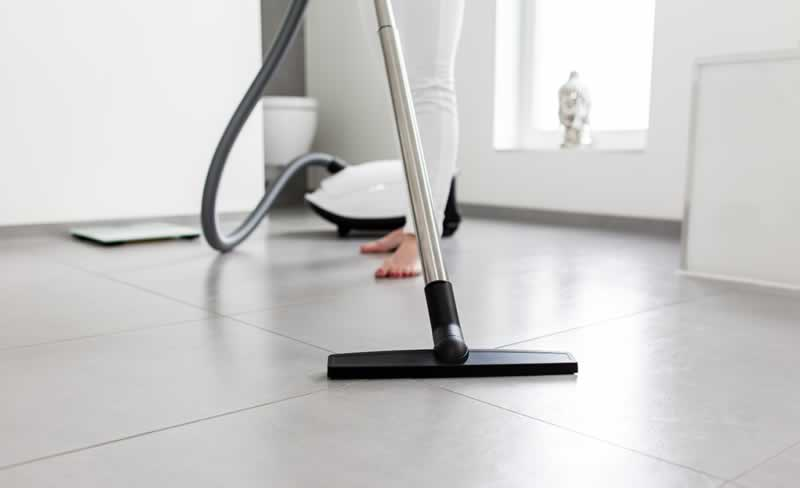 How Well a Carpet Cleaner Works on Tile Floors - vacuum