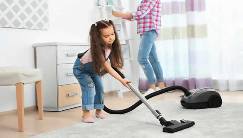How Well a Carpet Cleaner Works on Tile Floors