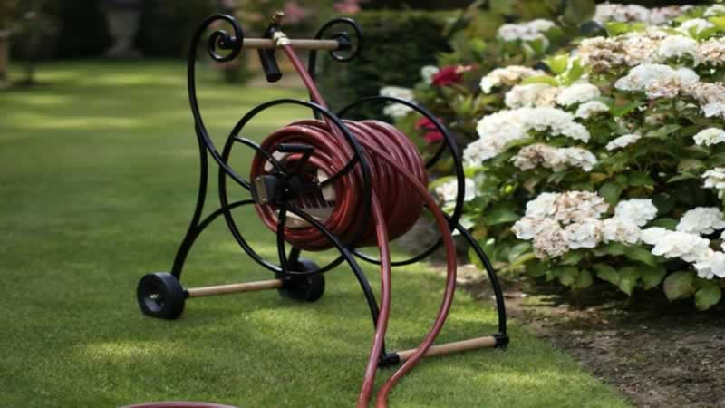 How to Choose the Best Garden Hose - hose reel