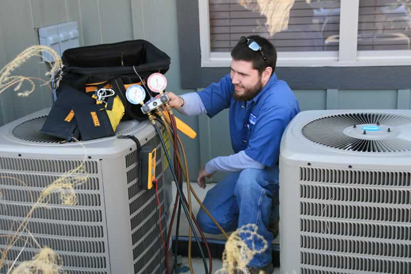 How to Choose the Right HVAC Service to Use in Your Home Repairs