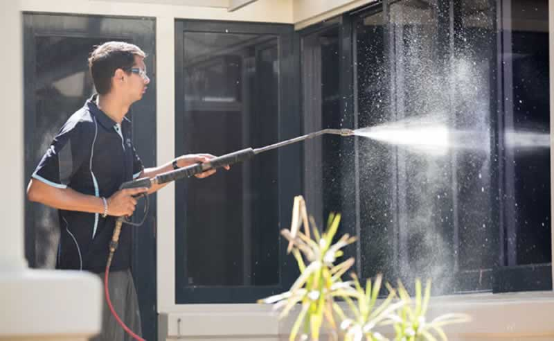 Importance Of Having A Water Pressure For Window Cleaning