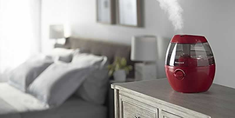 Sleep better with a bedroom humidifier
