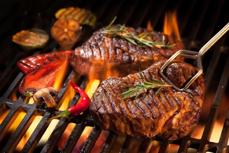 What Type of Grill Is the Best - steak