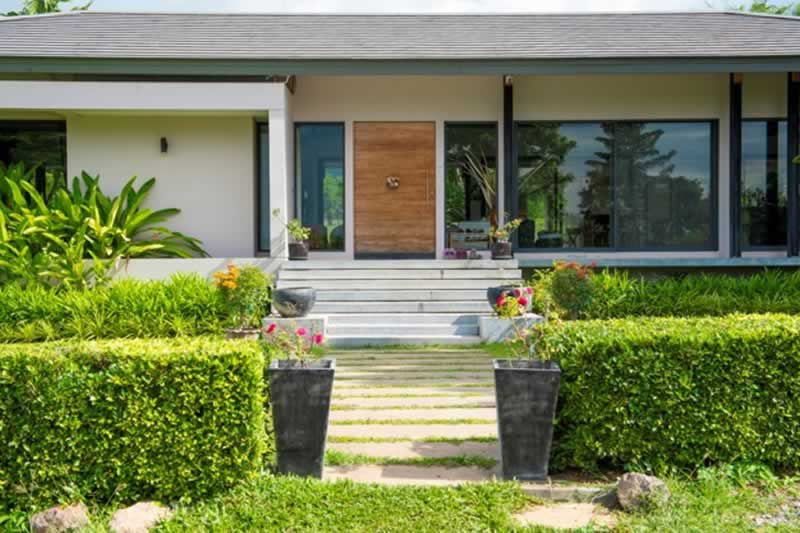 4 Tips for Curb Appeal with a Purpose