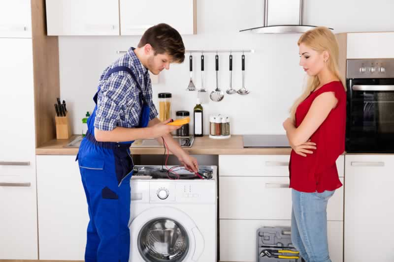 How An Appliance Repair Specialist Can Help With A Broken Appliance - repairmen