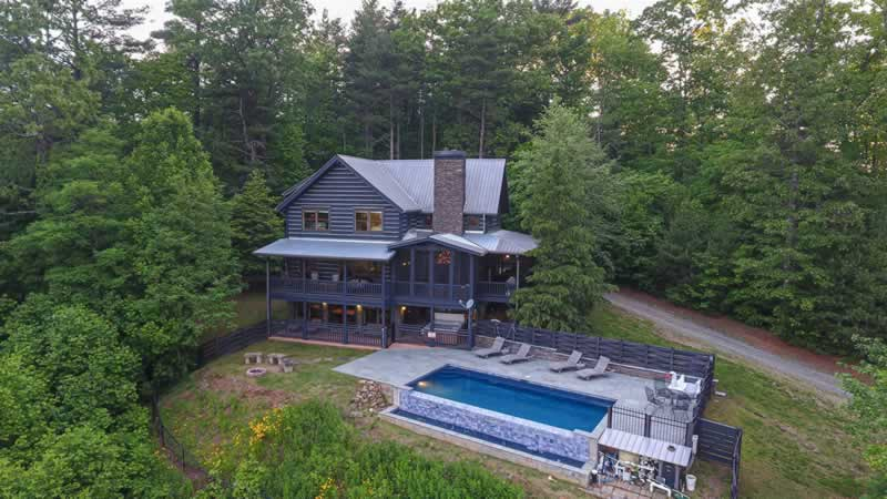 How to Earn Money Effortlessly by Investing in a Vacation Home - cabin