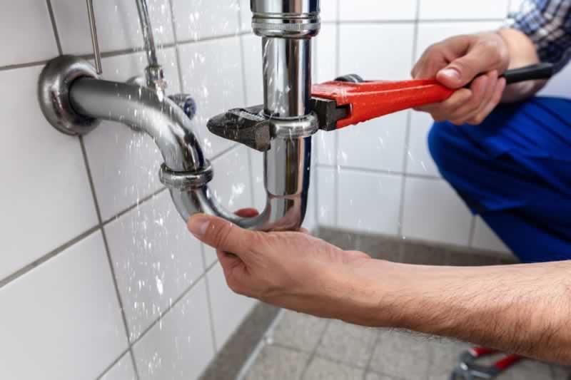 Tips for DIY Plumbing Leak Repair