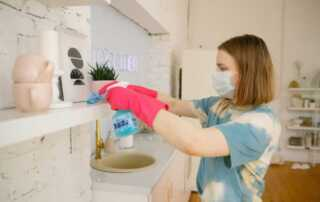 Top 10 Housewife Cleaning Tips - cleaning wipes