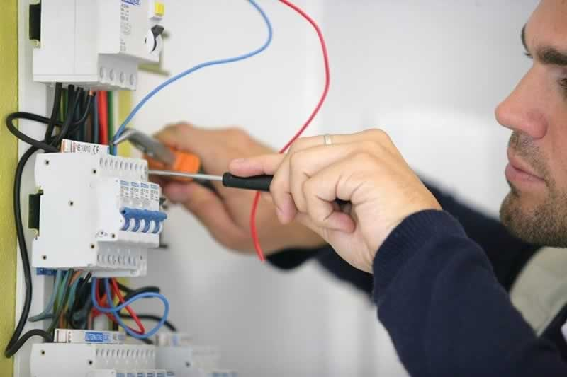 When to Call the Plumbing or Electrical Experts