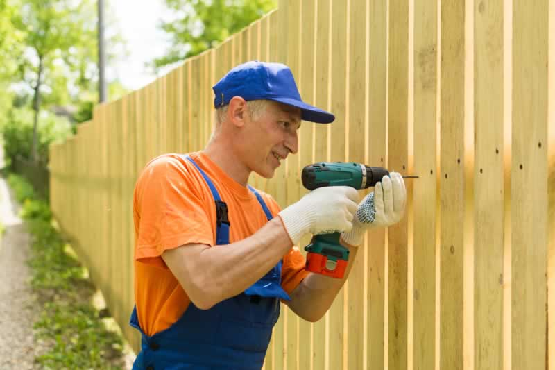4 Simple Ways To Build Your Own Fence