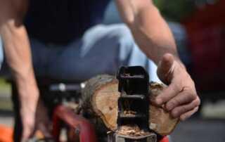 Types Of Log Splitters - splitting