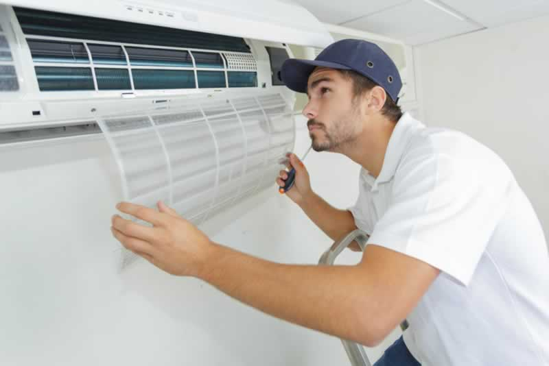 Easy Solutions for Your Broken Air Conditioner - repairman