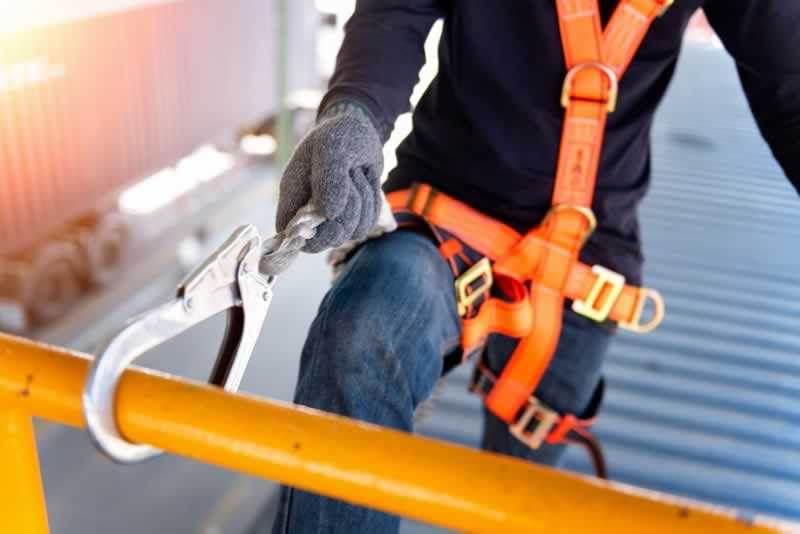 Employer's Guide To Roof Safety
