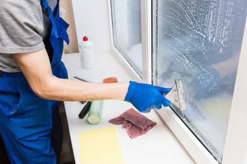 Factors to Consider When Hiring an Orange County Window Cleaning Service Provider - cleaner