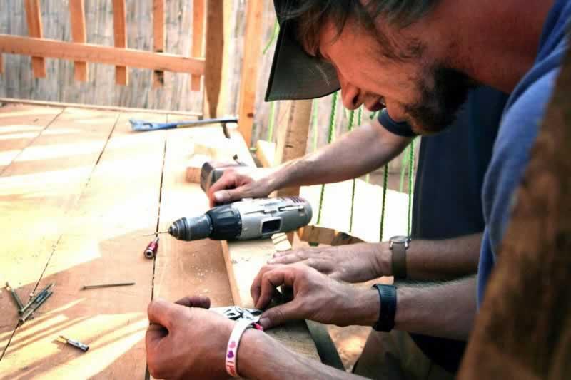 Handyman Franchise Ideas - repairing